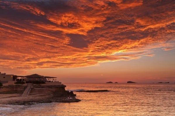 ibiza-low-cost.Sunset-Ashram